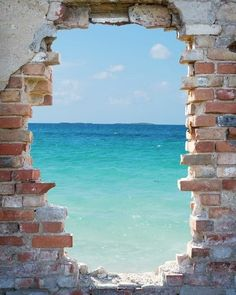 Fotomural muro vista al mar Strand Wallpaper, Beach Wallpaper, Mural Art, Wall Murals, Wall Art, Photo Backgrounds, Background Images, Photography Beach, Photography Hacks