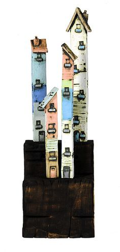 Tall ceramic houses by Mark Smith - 2009 Clay Houses, Ceramic Houses, Miniature Houses, Art Houses, Ceramic Clay, Kitsch, Cool Art Projects, Ceramics Projects, Small Art