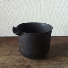 Small vessel by Omura Takeshi