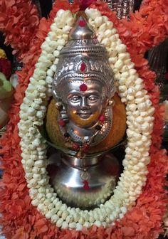 Varalakshmi Vratham 2019 honours the most popular Goddess Maha Lakshmi. Varalakshmi Puja or homam on this day means abundant wealth is sure to come your way. Hanuman Pics, Hanuman Images, Peacock Mehndi Designs, Rangoli Designs Flower, Festival Decorations, Flower Decorations, Deepavali Special, Ganesh Chaturthi Decoration, Mahakal Shiva