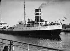 PANSIO, Kiel Canal Willis Tower, Maine, Ships, Building, Travel, Kiel, Boats, Viajes, Boating