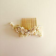 { Damini } Bridal Hair Comb #02 https://www.etsy.com/listing/236154345/damini-delicate-bridal-hair-comb