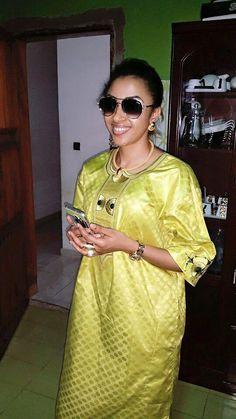 ( 33 Photos ) admirez ! Les plus belles Sagnsé Sénégalaises de Sokhna Aidara « Awo Bourou Keureum » – pointsenegal African Print Dresses, African Fashion Dresses, African Dress, Hijab Fashion, Fashion Outfits, Womens Fashion, African Clothes, African Attire, African Wear