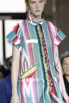 See detail photos for Sacai Spring 2017 Ready-to-Wear collection.