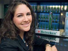Priscila Fins, analista da Heineken de 22 anos que teve a ideia da cerveja com vitaminas