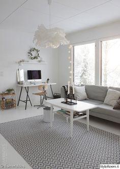 olohuone,työpiste,työpöytä,sohvapöytä,villamatto
