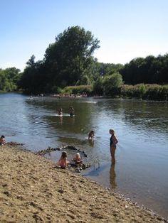 Das Ufer entlang der Sieg: Ein Ausflugstipp für Sonnenanbeter, Wasserplanscher und Radfahrer.
