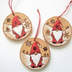 Hanging Christmas Tree, Painted Christmas Ornaments, Wooden Ornaments, Christmas Wood, Homemade Christmas, Xmas Tree, Christmas Tree Decorations, Christmas Ideas, Rustic Tree Topper