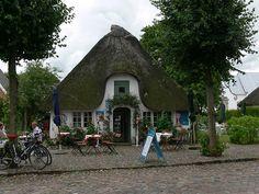 Cottagey café under a thatched roof in Møgeltønder, Denmark
