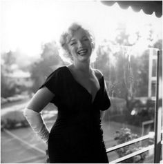 """A rare, recently published photo Marilyn taken in July 1958 - """"Some Like It Hot"""" Press Conf., Beverly Hills Hotel"""
