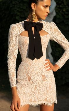 Lace Corset Mini Dress with Crepe Bow Style Haute Couture, Couture Fashion, Belle Silhouette, Different Dresses, Luxury Dress, Look Chic, Ladies Dress Design, High Fashion, Womens Fashion