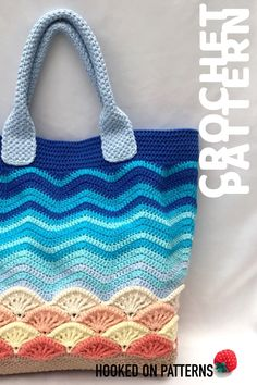 A Summer Bag Crochet Pattern with a difference – sea shells! Make this beautiful… A Summer Bag Crochet Pattern with a difference – sea shells! Make this beautiful summer crochet pattern to carry your beach items - Crochet Beach Bags, Bag Crochet, Crochet Purses, Cute Crochet, Crochet Hooks, Beautiful Crochet, Beautiful Beautiful, Crochet Summer, Summer Bags