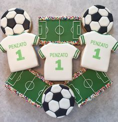 Soccer cookie Soccer Birthday Cakes, Soccer Cake, Birthday Cookies, Soccer Cupcakes, Soccer Treats, Football Cookies, Cute Cookies, Cupcake Cookies, Sugar Cookies