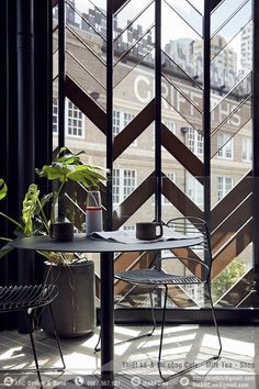 The Paramount House Hotel by Breathe Architecture - Surry Hills, Sydney Glass Wall Design, Door Design, House Design, Glass Partition Designs, Design Design, Timber Screens, Window Screens, Partition Screen, Divider Screen