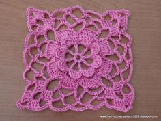 This is a Free crochet pattern for Flower Square Motif with photo tutorial in each steps. This motif I used in 7 year old bolero and kid's skirt. Thread Crochet, Love Crochet, Crochet For Kids, Crochet Flowers, Crochet Hats, Crochet Shrugs, Crochet Skirts, Crochet Sweaters, Crochet Skirt Pattern