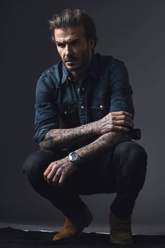 Poses For Men, Male Poses, Moda David Beckham, David Beckham Style 2018, David Beckham Hair, David Beckham Fashion, Stylish Men, Men Casual, Urban Fashion