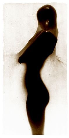 Lizette Olsen on ArtStack - Art likes. ArtStack is an online museum, making it easy to find great art from any period. Olsen, Figure Painting, White Photography, Human Body, Online Art, Photo Art, Photographers, Silhouette, Eye