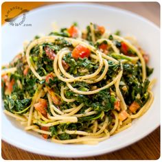 Esta receta de pasta con espinacas es muy fácil y rápida de preparar, y además de ser muy sabrosa, también es muy sana.