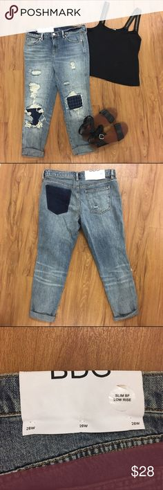 BDG Contrast Patch Slim Boyfriend Jean Size 28 UO Urban Outfitters NWT BDG Contrast Patch Slim Boyfriend Jeans Size 28. Super cute and flattering! Sold out on their website. Make an offer or bundle! Check out my Ⓜ️er cari listing as well Urban Outfitters Jeans Boyfriend