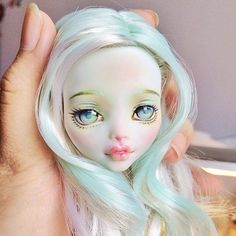 this OOAK dolls face/gorgeous colors) Custom Monster High Dolls, Monster Dolls, Monster High Repaint, Custom Dolls, Ooak Dolls, Blythe Dolls, Barbie Dolls, Art Dolls, Bjd