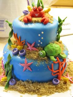 Underwater Theme: lots of underwater, 3-d elements, like crab, starfish, turtle, anenomes, plants, etc.