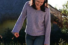 Simple Summer Tweed Top Down V-Neck by Heidi Kirrmaier This pattern is available as a free Ravelry download A very basic top down raglan with almost no seaming required. Includes sizing / shaping for both men and women, and (despite its name) a crew-neck variation as well. It is designed to be a casual, loose fit.