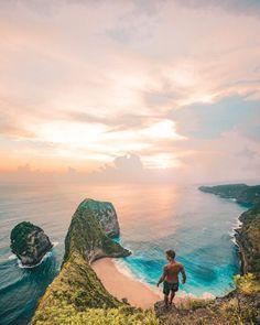 Exploring Keling King Secret Point Beach in Nusa Penida, Bali Instagram: jonny.melon