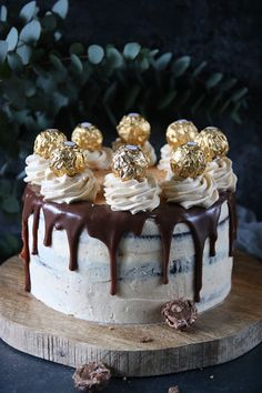 In front of the oven and behind the camera. Sweet Recipes, Cake Recipes, Dessert Recipes, Desserts, Gorgeous Cakes, Food Cakes, Cookie Decorating, Cake Pops, Food Art