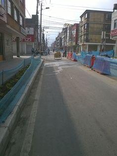 Localidad Antonio Nariño  Así trabaja Aguas de Bogotá.  Aguas de Bogotá SA ESP la empresa del posconflicto, adelanta en este momento operativos de limpieza en las ciclorrutas NQS, Sena NQS, calle 17 sur con carrera 24 hasta la avenida caracas.