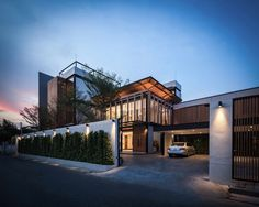 It is located in Bangkok, Thailand, and its remodeling was undertaken by Chuti Srisnguanvilas from the architectural firm Black Pencils Studio in the ye... - HomeDSGN - Google+