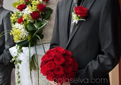 bouquet con rose rosse, red bouquet