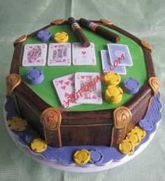poker table cake with cards and chips step by step