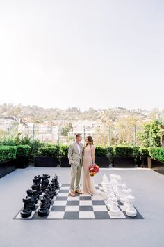 With Los Angeles in the background, this sunny and vibrant wedding at The London Hotel West Hollywood is the perfect summer wedding inspiration Wedding Dress Topper, Sheer Wedding Dress, Tulle Wedding, Rooftop Party, Rooftop Wedding, Rooftop Terrace, Hotel Wedding Inspiration, Wedding Ideas, Chic Wedding