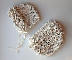 Ruffle Bum Diaper Cover and Baby Bonnet Set