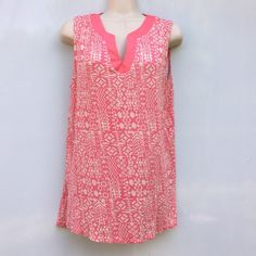 """Faith and Joy Sz L Light Pink Geo Pattern Top EUC Faith and Joy Sz L Light Pink Geo Pattern Top EUC SleevelessCottonLength 27"""" Bust 36-38 Light Pink Tan colorGeometric pattern Loose soft feeling EUC no rips stains or holes. Faith and Joy Tops Blouses"""