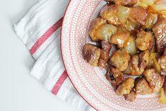 Χοιρινή Τηγανιά με Ρακόμελο Bon Appetit, Sprouts, Stuffed Peppers, Meat, Chicken, Dinner, Vegetables, Food, Essen
