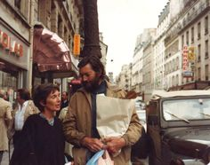 Cortazar and wife, Carol Dunlop, in Paris. Photo by Jose Alias. Paperback Writer, Book Writer, Book Authors, Writing A Book, The Mentalist, Photographs Of People, Paris, Jojo's Bizarre Adventure, Book Publishing