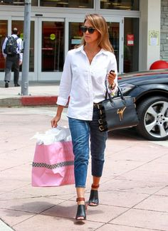 Jessica Alba Style - Her Best Street Style Outfits in Jeans: Summer Scarf With Jeans