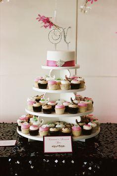 16-Brian-Tropiano-Photography-Bellwether-Events-Newseum-Washington-DC-wedding-ceremony-reception-pink-black-white-Janet-Flowers.jpg (663×1000)