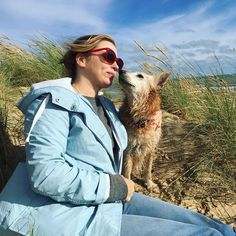 """Probably our favourite #dogbore question: Finish this sentence """"a dog walks into a bar. and orders a gravy martini and two pints of steak. . . Thanks to @wunderdog_mag & Pippa  Read it all on my blog.. link in bio #declandog  #woofwoofwednesday #humpday  #wunderdog #rescueismyfavouritebreed #goldenoldie #seniordog #oneyeddog #lifewithdogs #ilovemydog  #woof_tastic #dogsofig #rescuedogs #iadopted #instadog #dogsofinstagram #pawpack #bestwoof #rescueisbest #thestatelyhound #fluffypack…"""