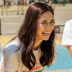 """This is the lovely Erich Gonzales sharing a laugh at Rizal Park during the taping of the 2016 ABS-CBN Summer Station ID and Halalan 2016 Station ID, """"Ipanalo ang Pamilyang Pilipino!"""" Daniel and Erich encouraged the public to vote wisely. Rizal Park, Filipina Beauty, Star Magic, Teen Actresses, Celebs, Celebrities, Abs, Filipino, Fashion Models"""