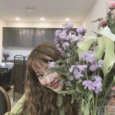 Kpop Girl Groups, Korean Girl Groups, Kpop Girls, Girls Spreading, Who Runs The World, Girls World, Chinese Actress, My Princess, Wallpaper S