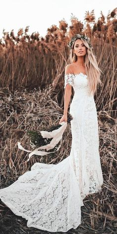 White bride dresses. All brides dream of finding the most appropriate wedding, however for this they require the most perfect wedding gown, with the bridesmaid's dresses complimenting the wedding brides dress. These are a variety of ideas on wedding dresses.