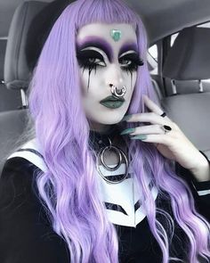 Goth Beauty, Dark Beauty, Piercings For Girls, Homecoming Makeup, Theatrical Makeup, Goth Women, Gothic Makeup, Cyberpunk Fashion, Aesthetic Makeup