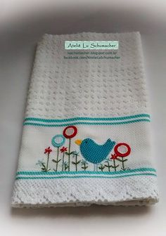 Ateliê Lu Schumacher: Pano de copa com patchcolagem e bordado - Pássaro