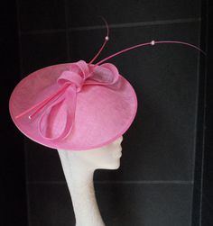 PINK-SINAMAY-FEATHER-FASCINATOR-HAT-SAUCER-WEDDING-HAT