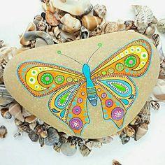 Guarda questo articolo nel mio negozio Etsy https://www.etsy.com/it/listing/521034251/farfalla-mandala-stone-pittura-su-sasso