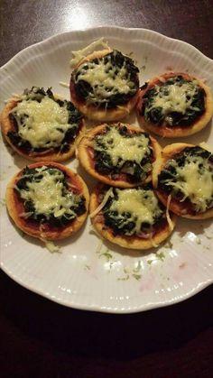Mini spinach pizza's