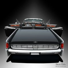 """Lincoln Continental with """"Suicide Doors""""! Lincoln Motor Company, Ford Motor Company, Cadillac, Autos Ford, Vintage Cars, Antique Cars, Us Cars, Amazing Cars, Custom Cars"""