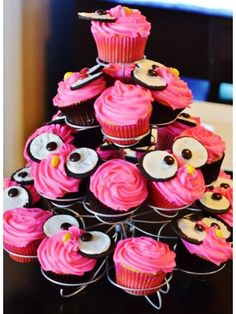 Owl Cupcakes for a special little girl on her bday! @Andrea / FICTILIS / FICTILIS / FICTILIS / FICTILIS Zaldivar